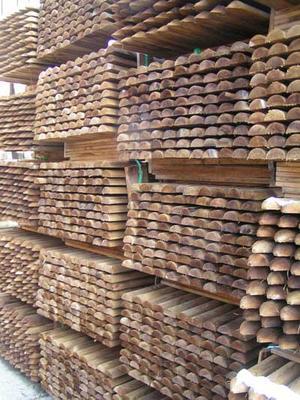 Zaunlatten Und Zaunriegel Aus Holz Holz Im Garten